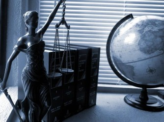 How Many Lawyers Are Involved in a Foreclosure?